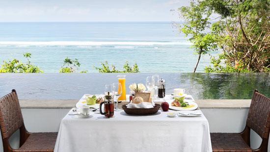 Ocean Front Honeymoon Pool Suite Breakfast on Room